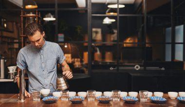 کاپینگ قهوه (Coffee Cupping) ؛ چگونه طعم قهوه را بچشیم؟